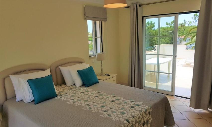 Moradia V4 com piscina Vila Sol